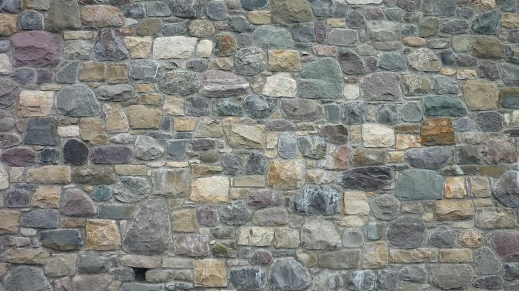 Pietra di credaro lavorazione prezzi da artigiani pietra credaro - Pietre da esterno per rivestimento ...